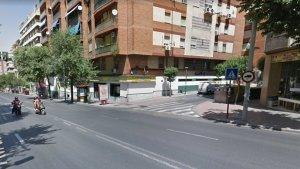 En este punto entre la Avenida de Madrid y la calle Maestro Cebrián se habría producido el accidente en el que resultó muerta una joven, en Jaén.