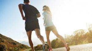 Es importante hacer deporte y estar en movimiento para no almacenar azúcar
