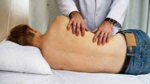 Existen diferentes tipos de hernia según la localización y el tipo de tejido afectado.