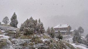 Ha nevado y cuajado en muchos refugios de alta montaña de Aragón y en el oeste de Cataluña