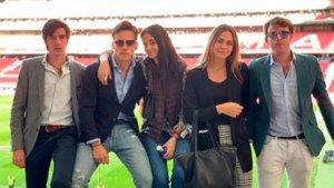 Imagen del grupo de amigos en el estadio del Atlético de Madrid