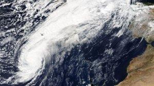 Imagen satélite del Huracán 'Leslie' este sábado