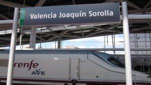 Imatge d'arxiu d'un tren d'alta velocitat a l'estació de Joaquín Sorolla