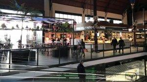 Imatge de l'interior del Mercat Central que avui fa un any