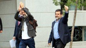 Jordi Cuixart i Jordi Sànchez arribant a l'Audiència Nacional el 16 d'octubre de 2017.