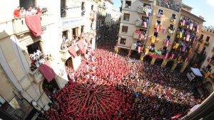 La Colla Joves Xiquets de Valls ha coronat el 2 de 8 sense folre.