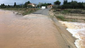 L'aigua està fent desbordar rius i rieres a Tarragona