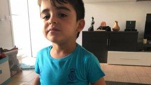 L'Aitor, de 3 anys, es va fer una samarreta del Girona a mà i el club va decidir enviar-li una d'oficial