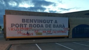 Les pintades amenaçadores que han aparegut a la zona del Port de Roda de Berà.