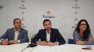 Pedro Sánchez, Rubén Viñuales i Sónia Orts durant la roda de premsa d'aquest dimarts 16 d'Octubre