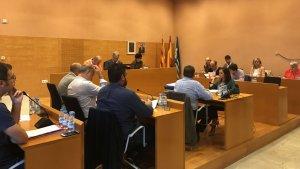 Una imatge de la sessió plenària d'aquest mes d'octubre a l'Ajuntament de Torredembarra.
