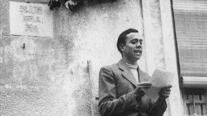 Una selección de poemas de Miguel Hernández con su comentario.