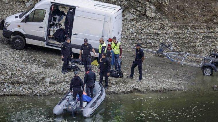 Després de recuperar els cossos, la policica necessitava saber on es va produir el crim