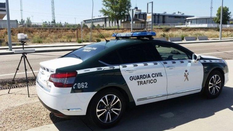 Imagen de archivo de una patrulla de la Guardia Civil de Tráfico.