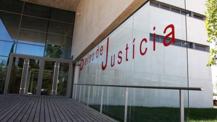 L'Audiència de Girona ha condemnat un home a 26 anys i mig de presó
