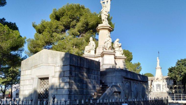 Mausoleu de la família Òdena-Iglesias del Cementiri de Reus