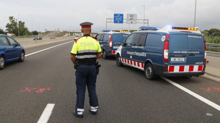 Tres persones han mort aquest dissabte en accidents a les carreters catalanes