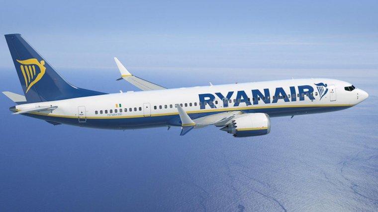 Un avió de Ryanair.