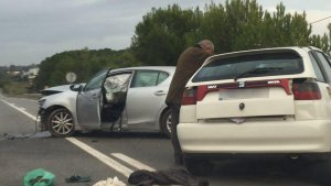 Aparatós accident entre dos vehicles a la T-314