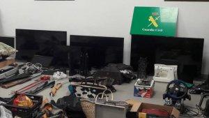 Dos persones implicades en mes de 30 robatoris a d'habitatges en poblacions de costa de la Ribera Baixa