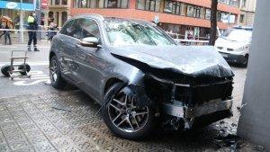 El conductor del cotxe va perdre el control i va acabar ferint 4 persones a Travessera de Gràcia