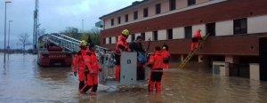 Els Bombers de la generalitat han evacuat una vintena de veïns de Vilatenim, a Figueres