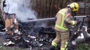 Els Bombers han aconseguit apagar el foc ràpidament, tot i que el vehicle ha quedat destrossat