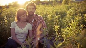 En las relaciones tóxicas se produce un vínculo nocivo o perjudicial para las personas implicadas.