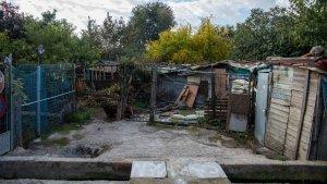Entrada a un complex de xaboles a tocar del barri de Riu Clar a Tarragona.