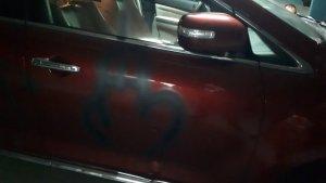 Han dibuixat un penis a la porta del copilot del vehicle del dirigent del PP