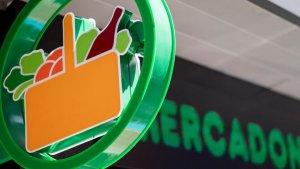 Imagen de archivo de un rótulo de la cadena de supermercados Mercadona