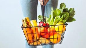 La mayoría de verduras o vegetales se caracterizan por ser alimentos alcalinos.
