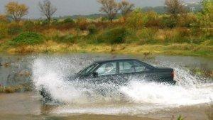 Les pluges són molt abundants a les comarques litorals de Girona i han provocat diversos talls de carreteres