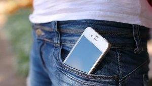 Llevar el teléfono móvil demasiado cerca puede ser peligroso para la salud