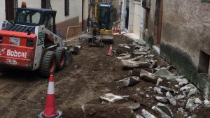 Riudecanyes millora els carrers del nucli antic