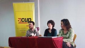 Roda de premsa de la CUP per anunciar les alegacions al pressupost municipal del 2018 a Valls.