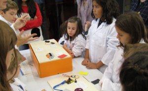 Una altra imatge del taller de ciència a Guissona
