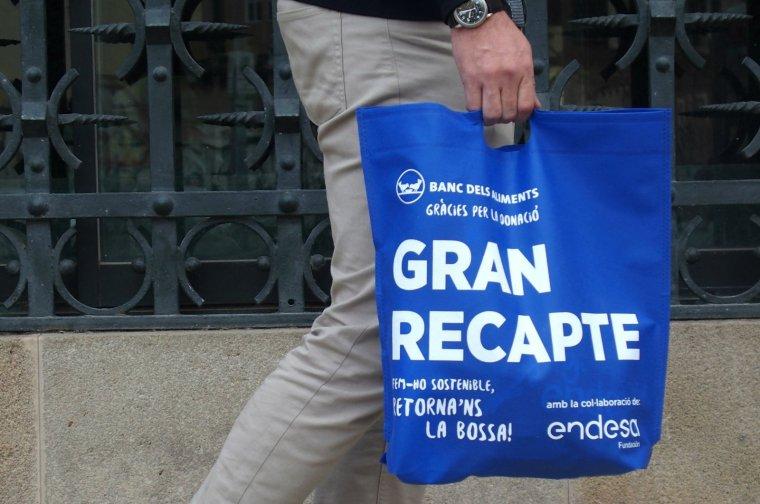"""80.000 bosses reutilitzables fetes de """"teixit sense teixir"""""""