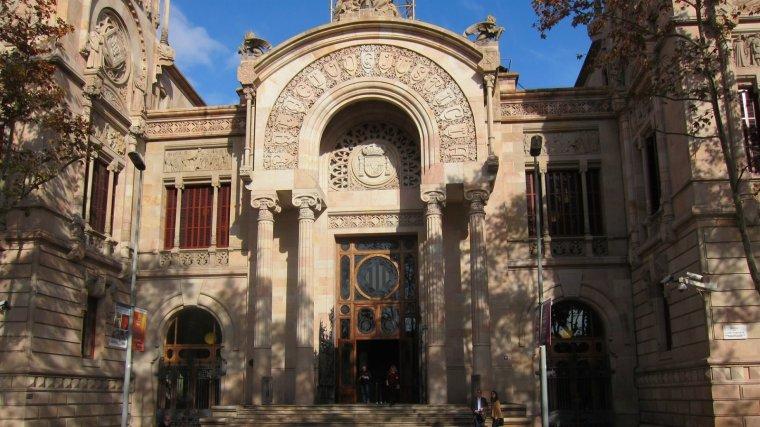L'home ha estat jutjat a l'Audiència de Barcelona per fer tocaments a una menor