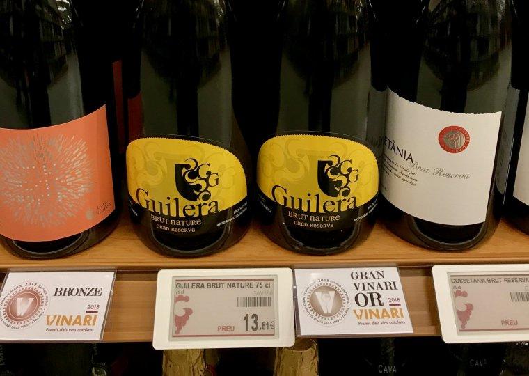Cava Guilera el Gran Vinari Escumós està senyalitzat a la botiga de Vins i Licors Grau