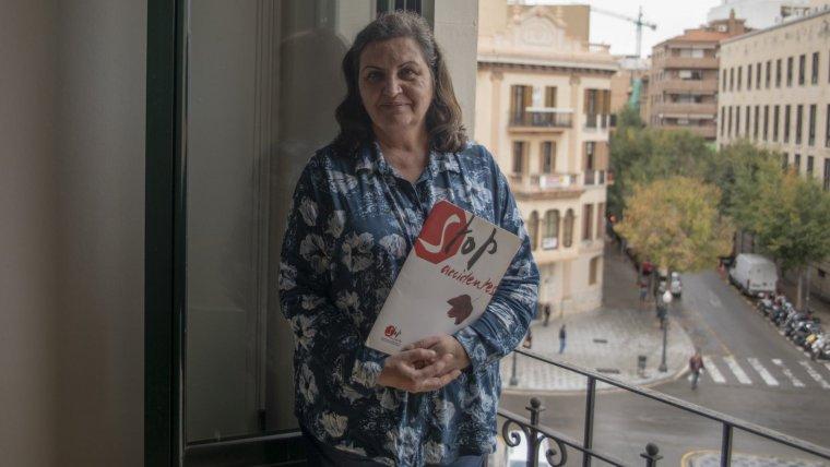 L'Àngels Pellisa a la redacció de Tarragona de TarragonaDigital