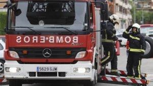 Los bomberos han tenido que desalojar el edificio entero en el que se encontraba el local