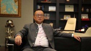 Chen Yansheng, durant l'entrevista als mitjans del club