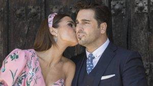 El beso 'forzado' de David Bustamante y Paula Echevarría