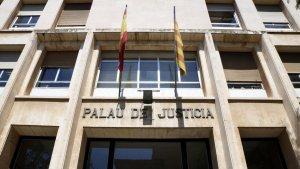 El dijous jutjaran una persona acusada d'un delicte continuat d'abusos sexuals, violació i un delicte de violació en grau de temptativa