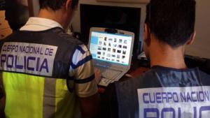 Els agents de la Policia Nacional van trobar imatges d'extrema duresa a casa dels detinguts.