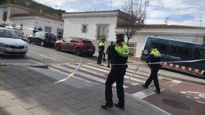 Els Mossos d'Esquadra han acordonat la zona del tiroteig, a la zona del passeig d'Urrutia.