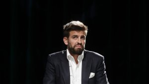 Gerard Piqué, en una xerrada sobre la nova Copa Davis de Tennis, ha donat el seu vistiplau al nou escut del Barça