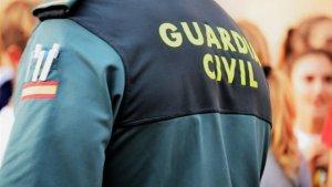 La Guardia Civil investiga si se trata de una muerte violenta ya que el joven tiene un golpe en la cabeza