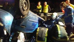 Imagen de uno de los vehículos accidentados en la colisión de Oviedo